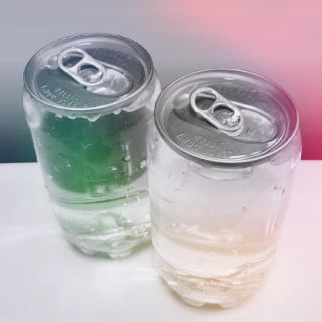缶入りの水
