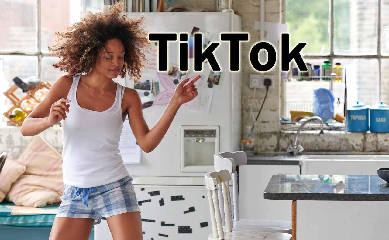 TikTokダンスダイエット